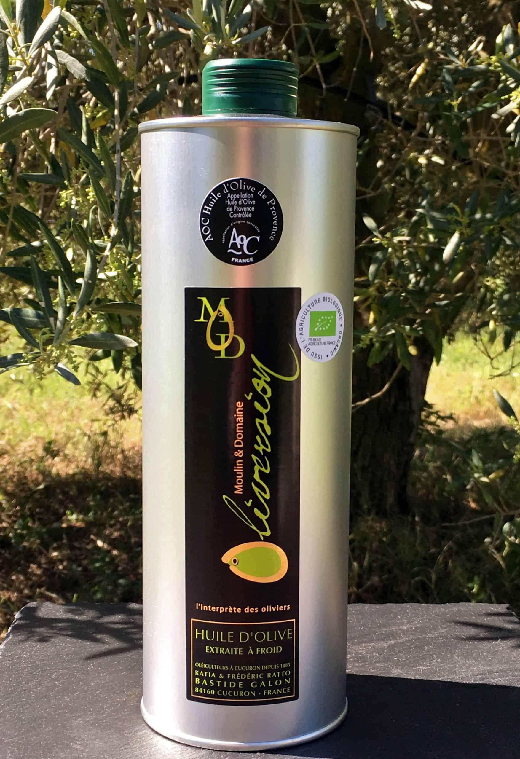présenter l'huile d'olive aoc provence bio produite par le moulin Oliversion